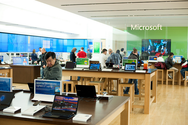 Microsoft Retail Store Sometimes Less Is More Design